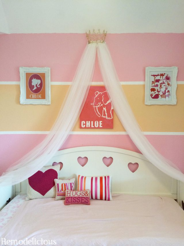 Diy princess crown bed canopy from upcycled pageant crown for Diy princess room ideas